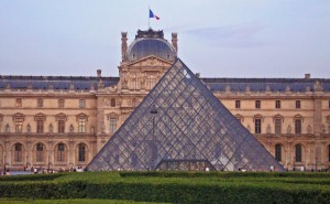 Bon Apetiet! To The Louvre!