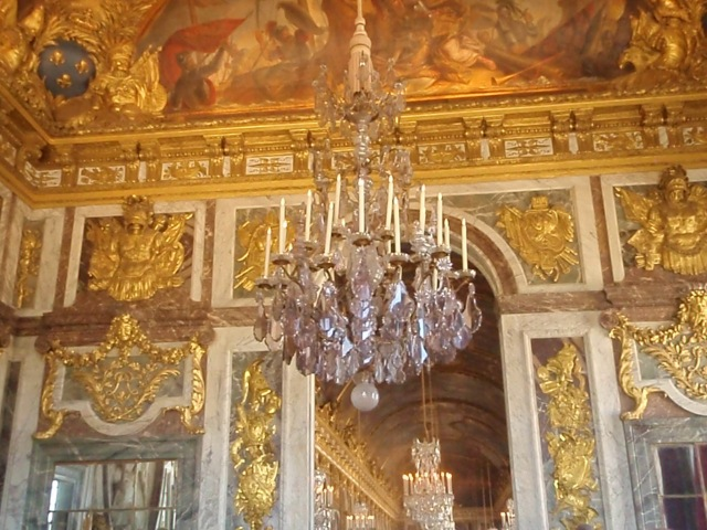 Just one of the many chandiliers in the palace