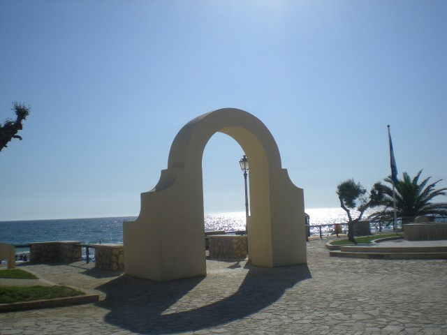 The quintessential photo of Sperlonga with the arch