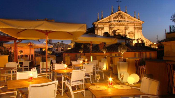 The rooftop bar at Albergo Cesari