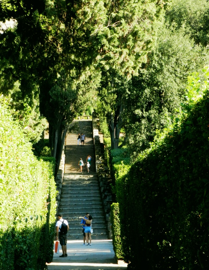 The Villa d'Este is a very romantic spot, a perfect place to steal a quick kiss
